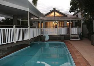 pool-bardon-short-term-accommodation
